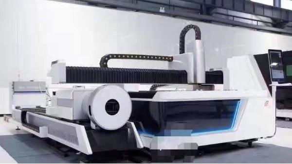 隆杰冲压件-激光切割机