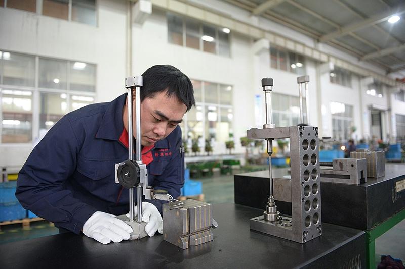 隆杰冲压——专业冲压件定制生产厂家